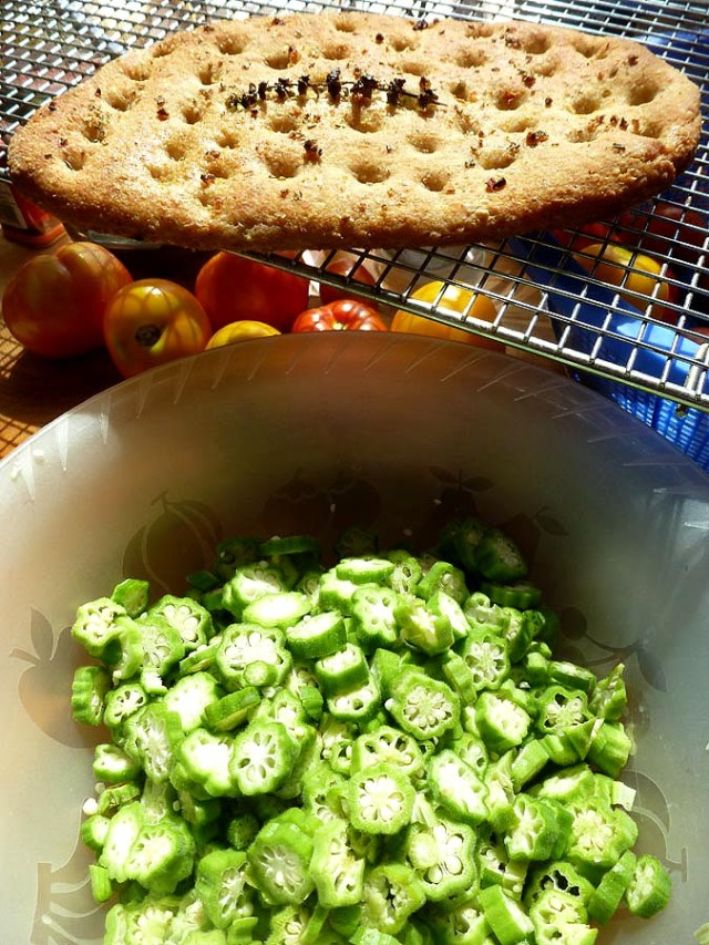 Sliced okra and a cooling garlicky naan bread
